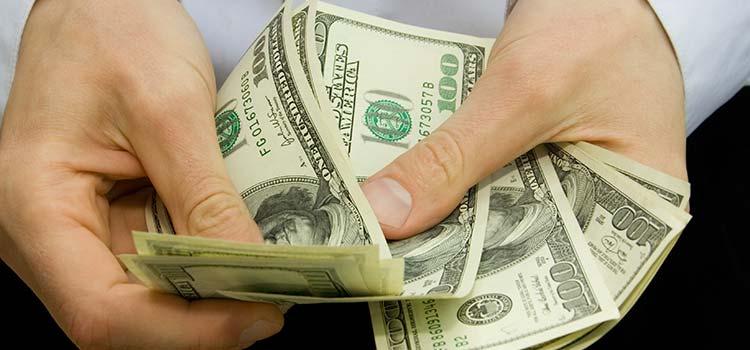 Як керувати своїми грошима