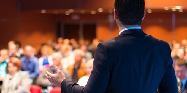 Як навчитися виступати публічно